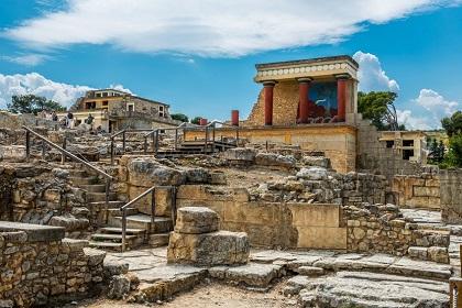 Palast von Knossos besuchen mit Ihrem Mietwagen von Sixt