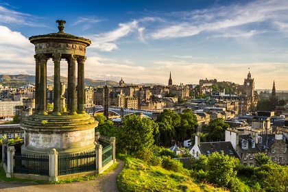 Explore this wonderfully historical city with Sixt car hire Edinburgh