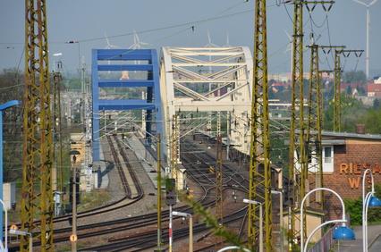 Die Elbebrücken in Riesa sind auch mit Ihrem Mietwagen der Sixt Autovermietung Riesa gut erreichbar