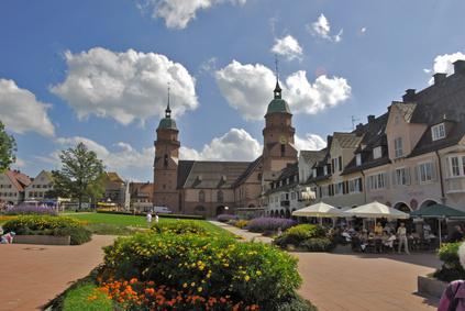 Die idyllische Kleinstadt Freudenstadt lässt sich hervorragend mit einem Mietwagen der Sixt Autovermietung Freudenstadt entdecken