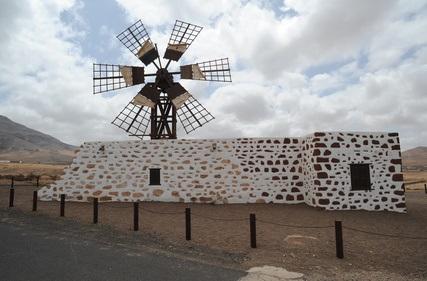 Die spanische Insel Fuerteventura mit dem Mietwagen entdecken
