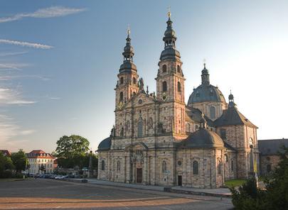 Der Fuldaer Dom ist 10 Minuten von der Sixt Autovermietung Fulda entfernt