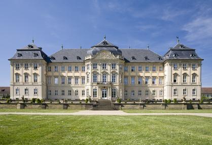 Schloss Werneck bei Schweinfurt ist eine toller Zwischenstopp für Kunden der Sixt Autovermietung Schweinfurt