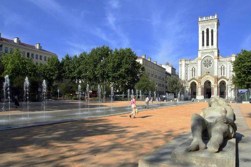 Em 2016 in saint tienne reisetipps f r frankreich sixt - Chambre des metiers st etienne ...