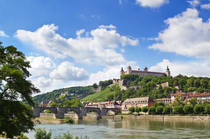 Die fränkische Stadt Würzburg verfügt über zwei Sixt Autovermietungen