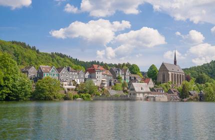 Der Stadtteil Beyenburg gilt als Perle und kann mit Ihrem Mietwagen der Sixt Autovermietung Wuppertal bequem erreicht werden