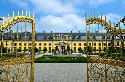 Die Tore zum Schloss Hannover �ffnen sich