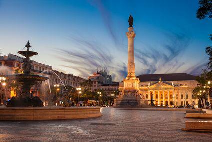 Rossio Square in Lissabon zu Fuß von der Sixt Autovermietung erreichbar
