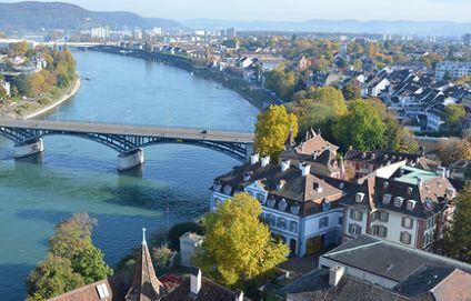 Basel City am Rhein